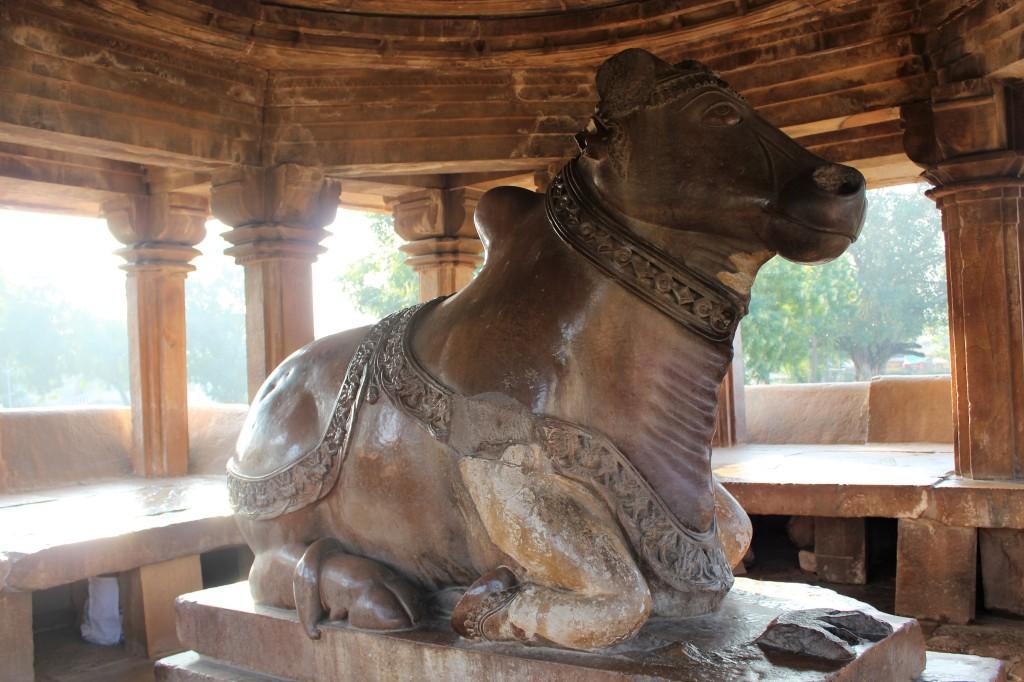 nandi, gate guardian deity, kailasa