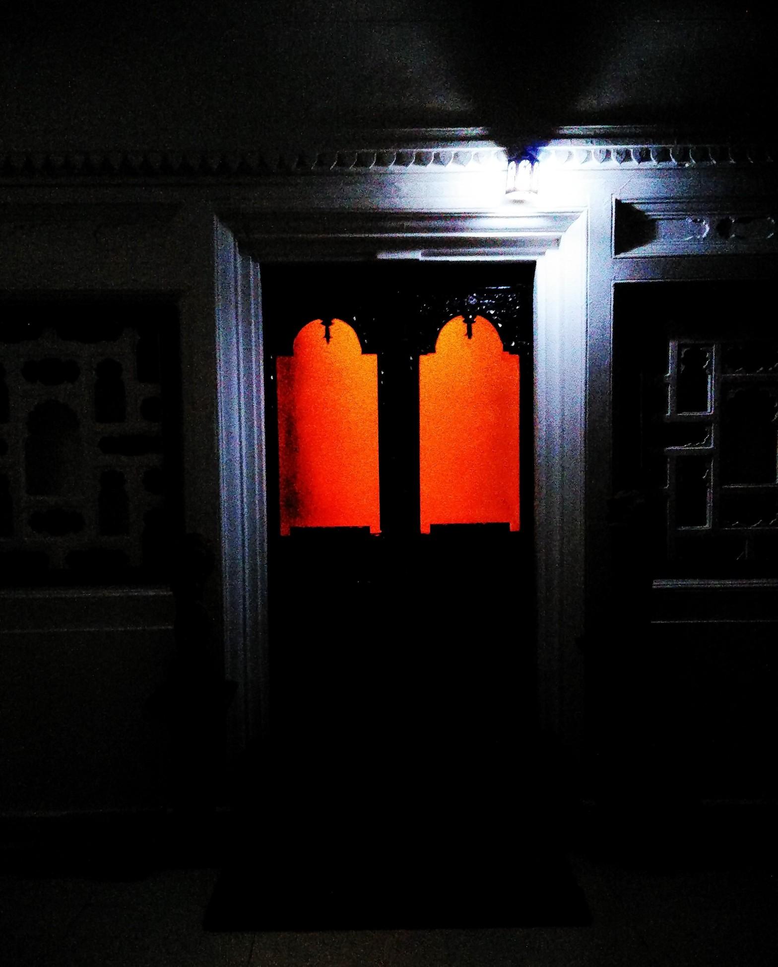 door, maharaja suite