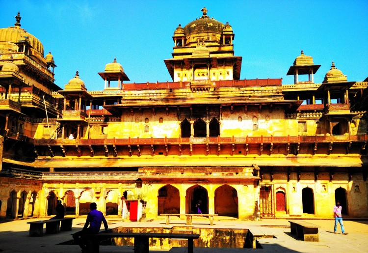 symmetry, jahangir mahal, combination, mughal architecture, rajput architecture, emotion, orchha fort, orchha