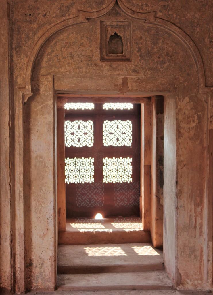 history, emotion, jahangir mahal, orchha fort, orchha
