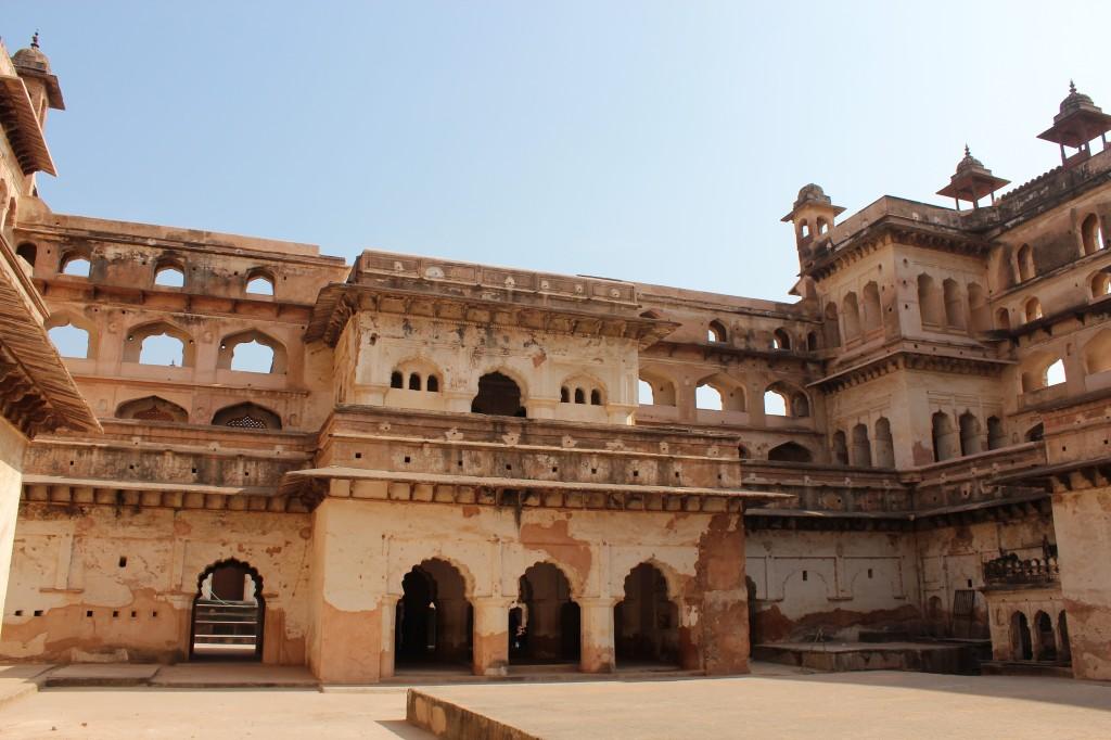 orchha fort, competition, market, orchha, madhya pradesh