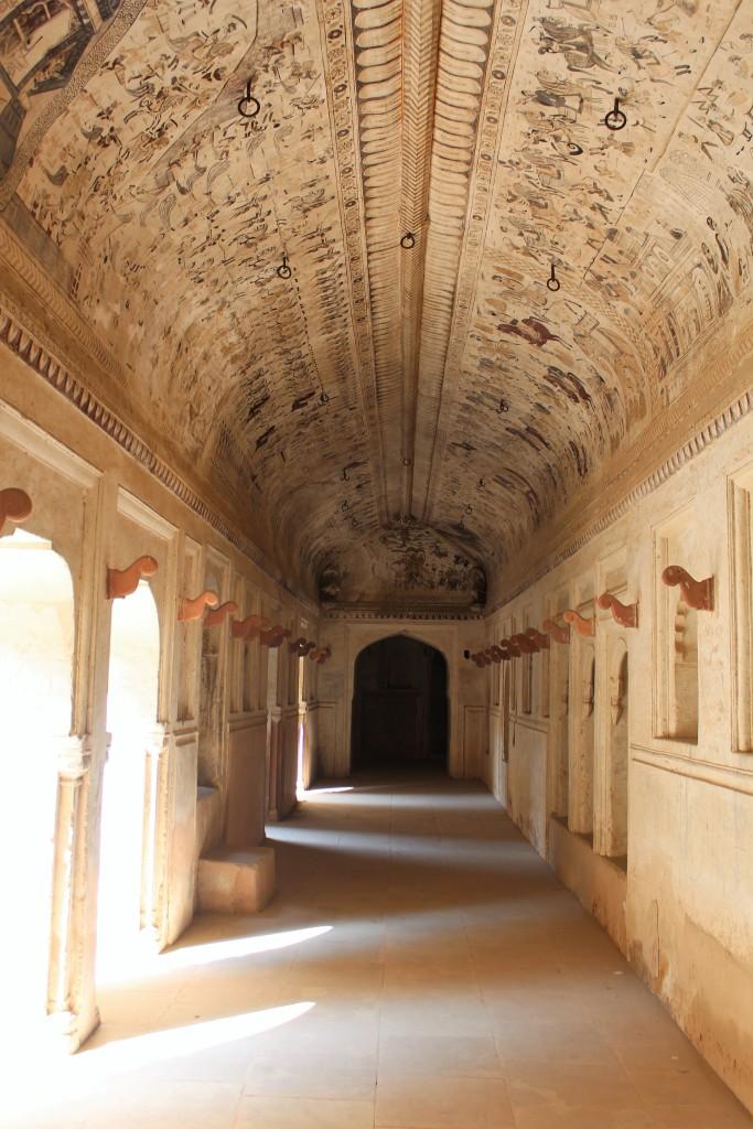 spectacle, laxmi narayan mandir, orchha, madhya pradesh
