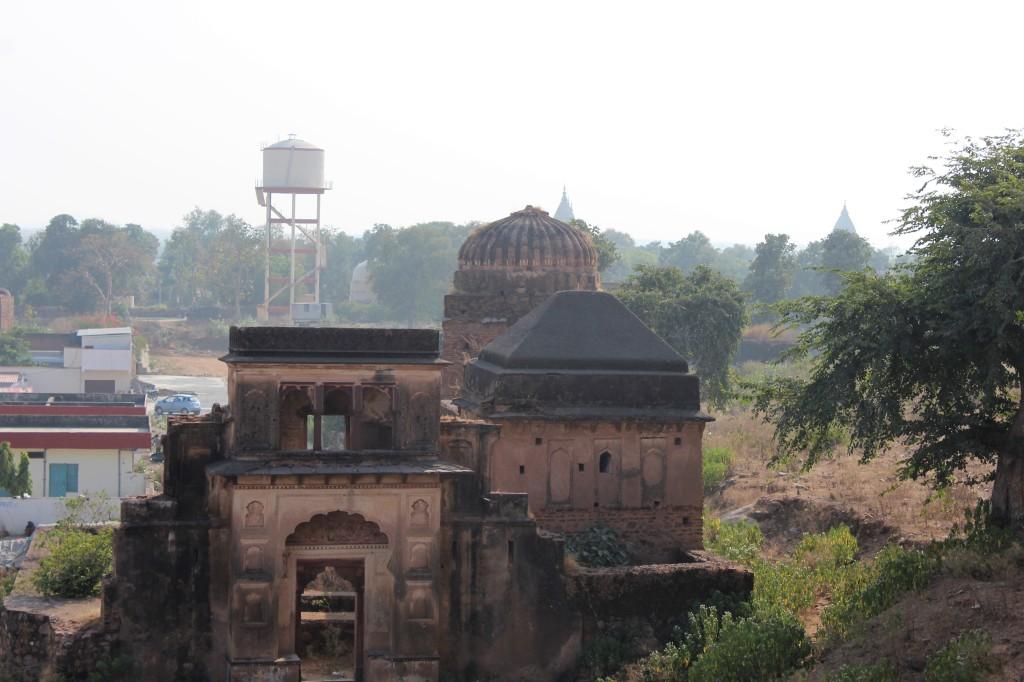 stare, ruins, orchha, madhya pradesh, india
