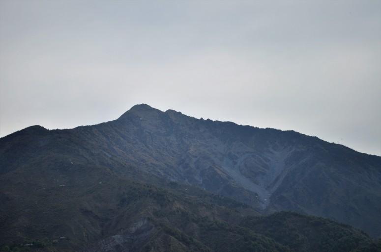 summer onset, arid look, mountains