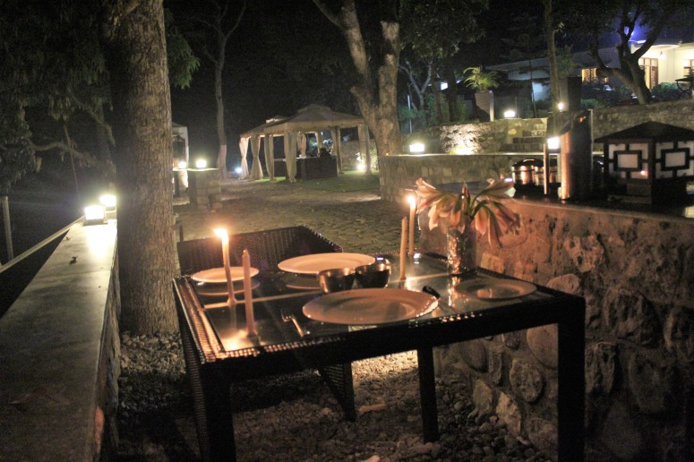 candlelit dinner, river kosi, kanwhizz