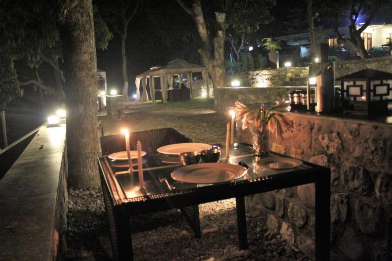candlelit dinner, river kosi, kanwhizz