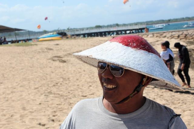 cheer, kite seller, Nusa Dua Beach