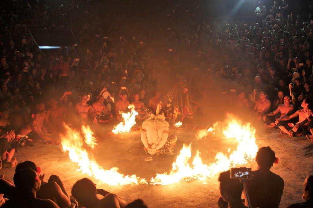 Kecak dance, Uluwatu Temple