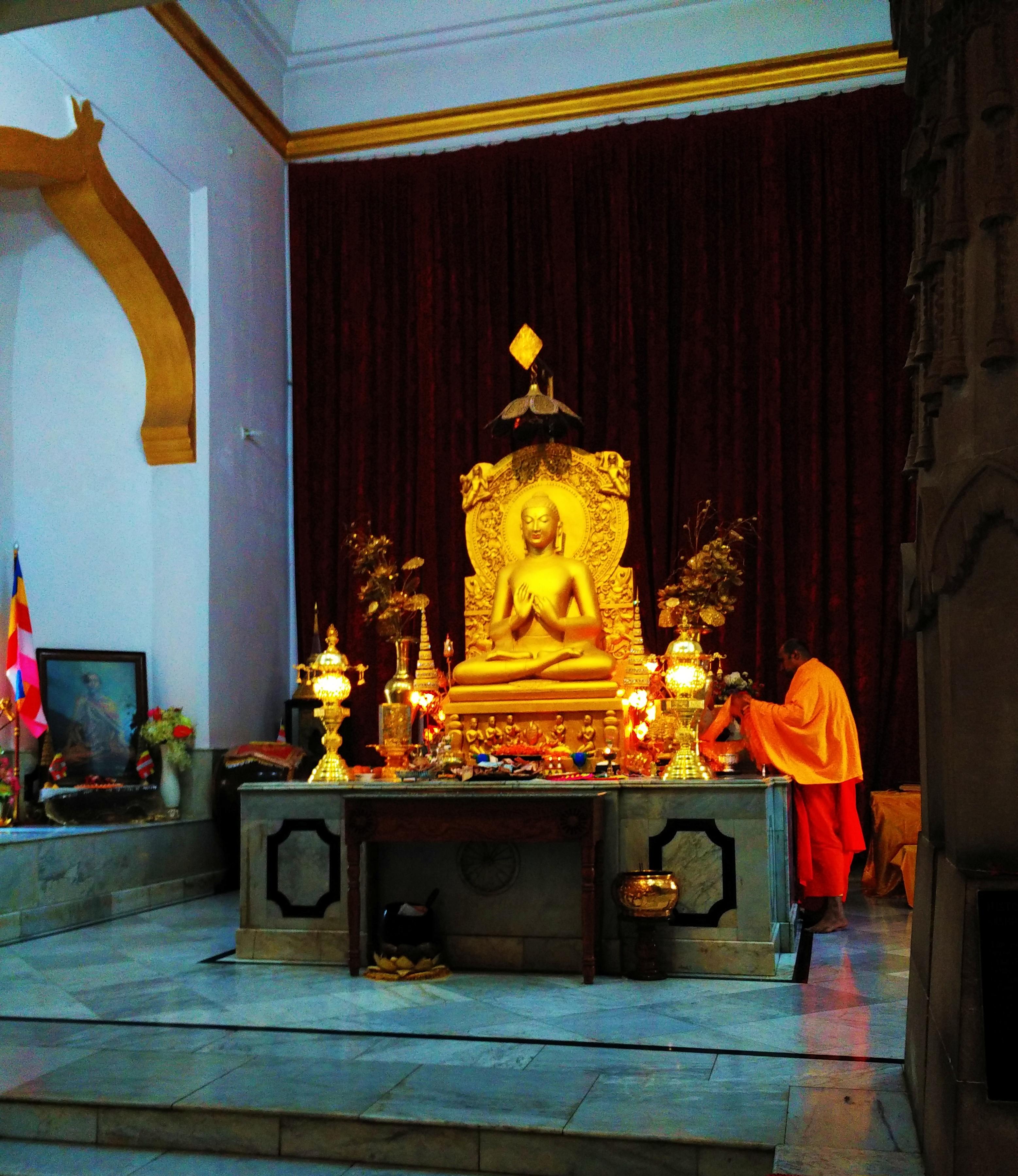 Shakyamuni Buddha, relics, Mulagandha Kuti Vihara, sarnath, varanasi, uttar pradesh, india